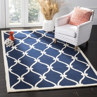 Safavieh Handmade Moroccan Cambridge Navy/ Ivory Wool Rug (8' Square)
