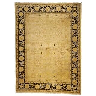 Safavieh Hand-knotted Peshawar Vegetable Dye Ivory/ Black Wool Rug (12' x 18')