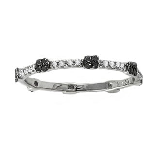 Beverly Hills Charm 10k White Gold 1/6ct Black and White Diamond Stackable Eternity Band Ring (H-I, I2-I3)