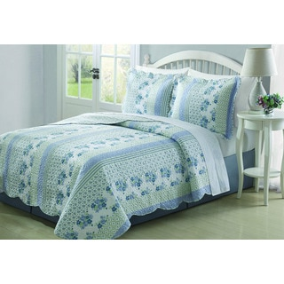 Bonnie Blue/White Floral 3-piece Quilt Set