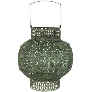Handmade Green Antiqued Wrought Iron Lantern (China)