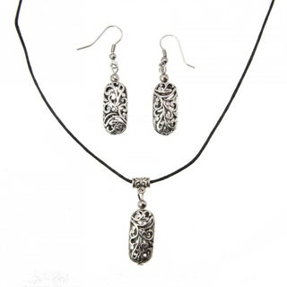 Handmade Miao Silver Filigree Necklace and Earrings Set (China)