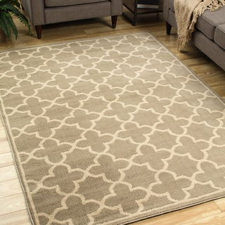 Casual Trellis Brown/ Tan Area Rug (6'7 x 9'3)