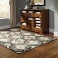 Abstract Ikat Ivory/ Blue Area Rug (5'3 x 7'3)
