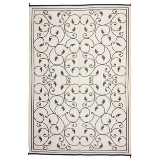 Royal Sun Black/ White Scroll Reversible Patio Mat (6' x 9')