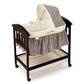 Summer Infant Classic Comfort Wood Bassinet in 'Fox and Friends'
