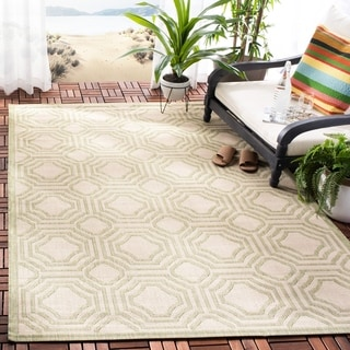 Safavieh Indoor/ Outdoor Courtyard Beige/ Sweet Pea Rug (6'7 x 9'6)