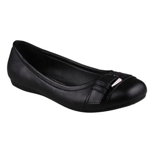 Refresh Women's 'Amber-04' Black Round Toe Slip-on Flats