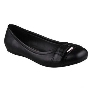 Refresh Women's 'Amber-04' Black Round Toe Slip-on Flats