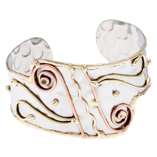 Handmade Stainless Steel Swirl Design Fashion Cuff Bracelet (India)