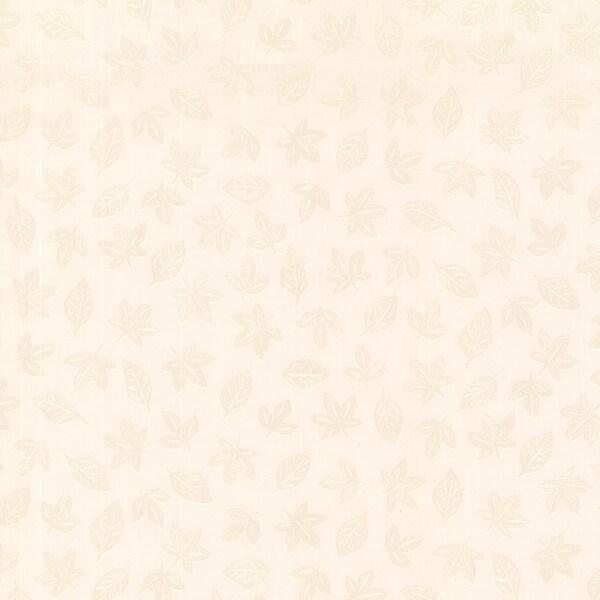 Bavarian Cream Leaf Toss Wallpaper