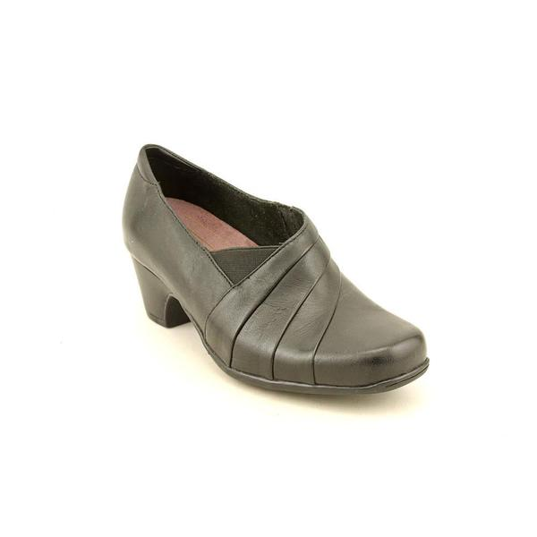 Clarks Women's 'Sugar Spice' Leather Dress Shoes - Extra Wide (Size 6 )