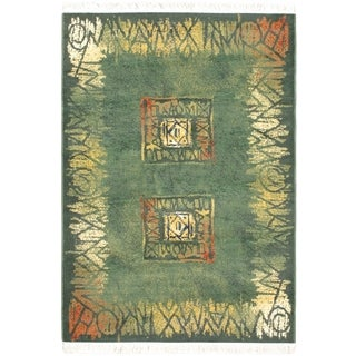 Alicante Green Bordered Abstract Geometric Rug (5'3 x 7'4)