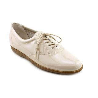 Easy Spirit Women's 'Motion' Patent Leather Casual Shoes - Narrow (Size 9.5 )