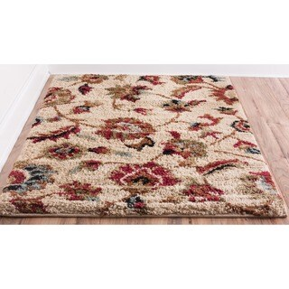 Cliffs Floral European Ivory, Beige, Red, and Green Shag Area Rug (5' x 7')