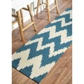 nuLOOM Hand-tufted Chevron Ikat Medium Blue Runner Rug (2' 6 x 8')