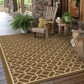 Indoor/ Outdoor Geometric Tile Polypropylene Rug (5'3 x 7'6)