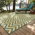 Indoor/ Outdoor Chevron Polypropylene Rug (6'7 x 9'6)