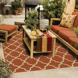 Indoor/ Outdoor Lattice Polypropylene Rug (6'7 x 9'6)