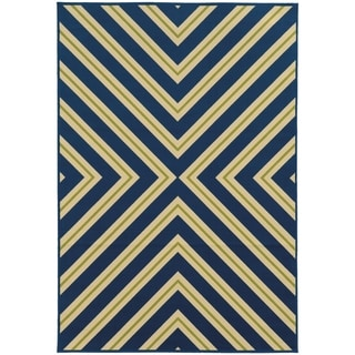 Indoor/ Outdoor Geometric Polypropylene Rug (2'5 x 4'5)