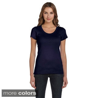 Bella Women's Scoop Neck T-shirt