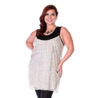 Women's Plus Size Cream Sleeveless Pullover Top