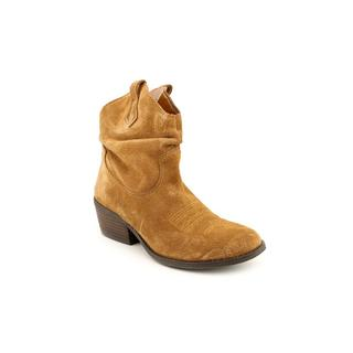 White Mountain Women's 'Saloon' Regular Suede Boots