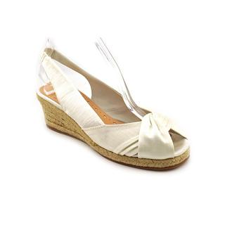 Bella Vita Women's 'Sangria' Fabric Sandals - Extra Wide