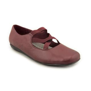 Trotters Women's 'Seeker' Leather Casual Shoes