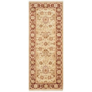 Safavieh Hand-knotted Peshawar Vegetable Dye Ivory/ Red Wool Rug (3' x 12')