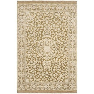 Safavieh Hand-knotted Ganges River Ivory/ Green Wool Rug (4' x 6')
