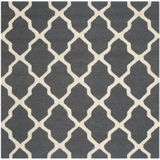 Safavieh Handmade Moroccan Cambridge Dark Grey/ Ivory Wool Rug (6' Square)
