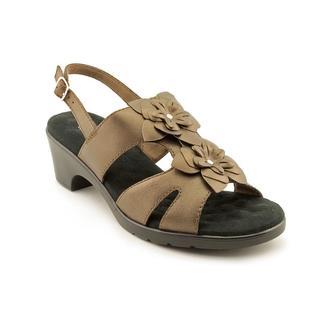 Walking Cradles Women's 'Nova' Leather Sandals