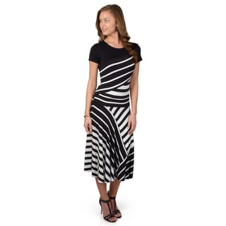 Journee Collection Women's Short-sleeve Striped Knit Dress