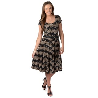 Journee Collection Women's Black Belted Cap-sleeve Dress