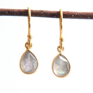 Sitara Hand-crafted Goldplated Smoky Labradorite Dangle Earrings (India)