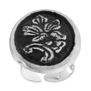 Handmade Antiqued Silverplated Floral Fashion Ring (India)