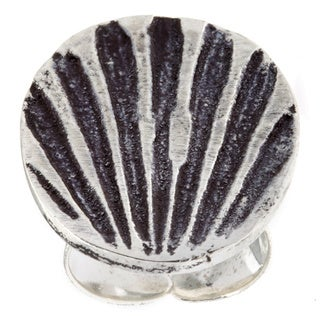 Handmade Antiqued Silverpated Shell Design Fashion Ring (India)
