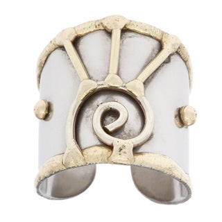 Handmade Mixed Metal Two-tone Abstract Swirl Fashion Ring (India)