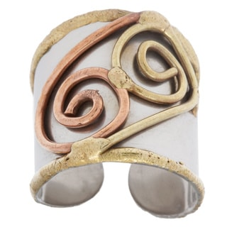 Handmade Mixed Metal Tri-tone Double Swirl Fashion Ring (India)