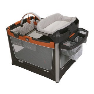 Graco Pack n' Play Smart Station in Tangerine