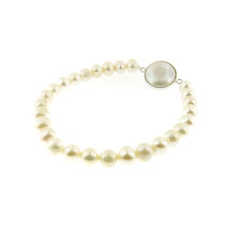 Handmade Freshwater Pearl Stretch Bracelet with Coin Pearl (14 mm) (USA)
