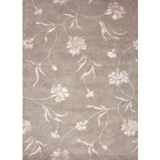 Hand-knotted Gray/ Black Floral Pattern Wool/ Silk Rug (5'6 x 8'6)
