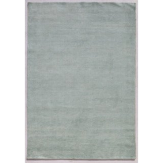 Hand-knotted Blue Solid Pattern Wool/ Silk Rug (5' x 8')