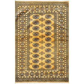 Pakistani Hand-knotted Bokhara Gold/ Ivory Wool Rug (4'2 x 6'4)