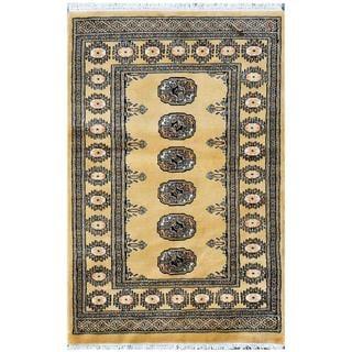 Pakistani Hand-knotted Bokhara Gold/ Ivory Wool Rug (2'7 x 4')