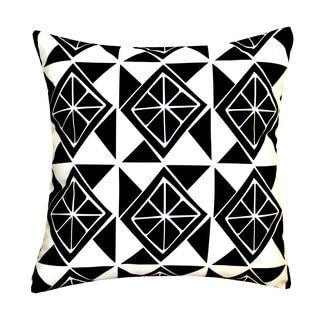 Hand-crafted Black/White Slices Outdoor Throw Pillow (India)