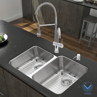 Vigo 32-inch Stainless Steel Kitchen Sink and Chrome Faucet Set