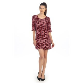 Hadari Women's Coral and Black Geometric Shift Dress