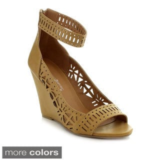 Nature Breeze Women's 'Melrose-04' Laser-cut Wedge Sandals